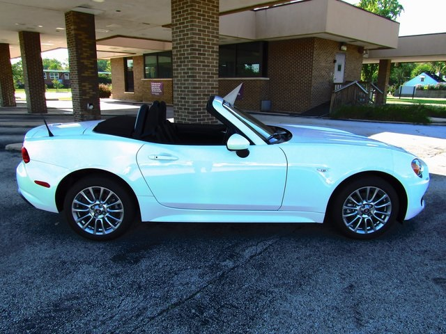 new 2017 fiat 124 spider classica convertible in orland. Black Bedroom Furniture Sets. Home Design Ideas